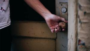 Ha nem kockáztatunk, menedékeink előbb-utóbb a börtönünkké válnak