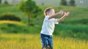 Hogyan fosztjuk meg a gyermeket attól, hogy gyerek lehessen?