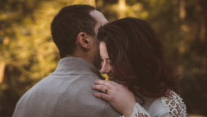 Szeretet önmagában nincsen – akkor létezik, ha te meg én vagyunk